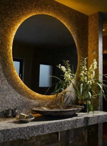 mirror-in-bathroom