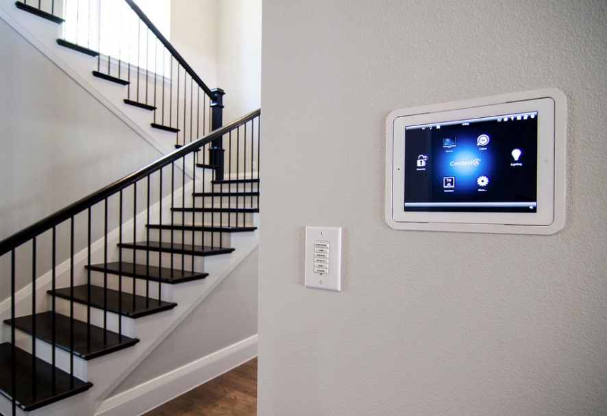 Smart homes design: Keyless Locks, Security Alarms