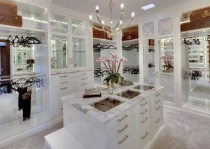 luxury-walk-in-closet