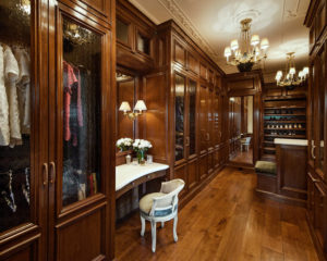 luxury-walk-in-closet-wood-and-chandelier-interiors